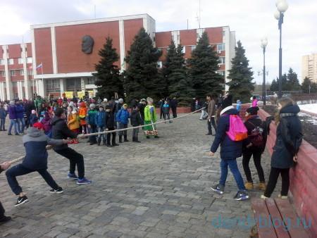 Масленица в Орехово-Зуево 13 марта 2016. Аттракцион канат